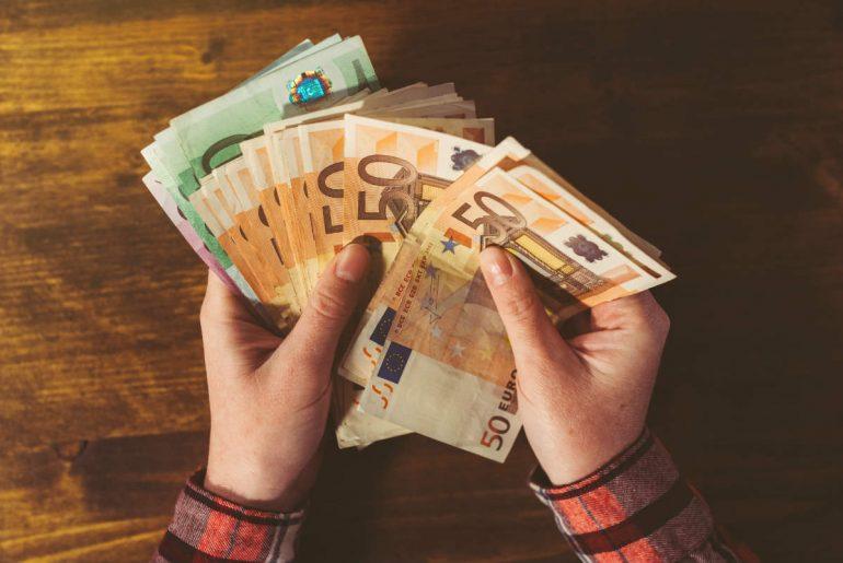 Calcular el costo de un servicio freelance profesional
